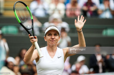 Halep acknowledges the crowd after her quarterfinal victory/Photo: Shi Tang/Getty Images