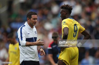 Frank Lampard advises Tammy Abraham in pre-season (Photo credit: Christopher Lee/Getty Images)