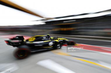 Nico Hulkenberg leaves his garage in FP1 (photo credit: Lars Baron, Getty images)