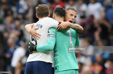 <div>LONDON, ENGLAND - SEPTEMBER 28: Toby Alderweireld of Tottenham Hotspur celebrates with teammates Jan Vertonghen and Hugo Lloris at full-time following their team's victory in the Premier League match between Tottenham Hotspur and Southampton FC at Tottenham Hotspur Stadium on September 28, 2019 in London, United Kingdom. (Photo by Alex Davidson/Getty Images)</div>