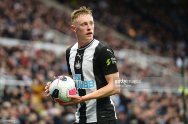 Sean Longstaff of Newcastle United during the Premier League match between Newcastle United and Manchester United at St. James Park | Photo: Getty/ Serena Taylor