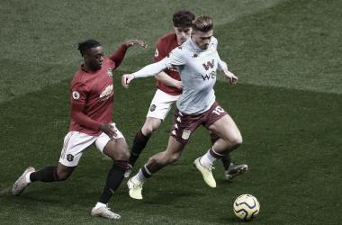 Desesperado, Aston Villa recebe Manchester United para fugir do rebaixamento