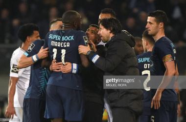 FC Porto garante vitória em terreno do Vitória de Guimarães após jogo polémico