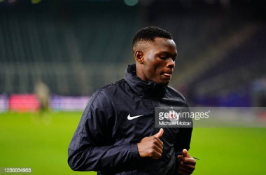 Patson Daka warming up for RB Salzburg