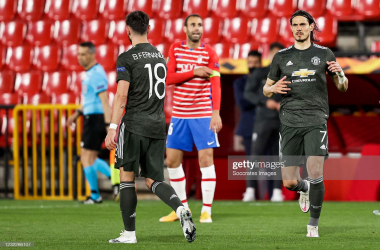 GRANADA, SPAIN - APRIL 8: (L-R) Bruno Fernandes of Manchester United, Edinson Cavani of Manchester United during the UEFA Europa League match between Granada v Manchester United at the Estadio Nuevo Los Carmenes on April 8, 2021 in Granada Spain (Photo by David S. Bustamante/Soccrates/Getty Images)