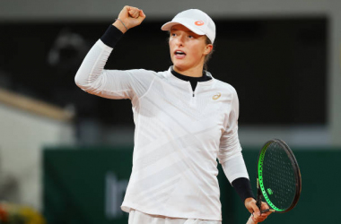 French Open: Iga Swiatek eases past Martina Trevisan to reach first Grand Slam semifinal
