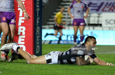 ST HELENS, ENGLAND - OCTOBER 29: Ligi Sao of Hull FC scores a try during the Betfred Super League match between Hull Kingston Rovers and Hull FC at Totally Wicked Stadium on October 29, 2020 in St Helens, England.Sporting stadiums around the UK remain under strict restrictions due to the Coronavirus Pandemic as Government social distancing laws prohibit fans inside venues resulting in games being played behind closed doors. (Photo by Lewis Storey/Getty Images)