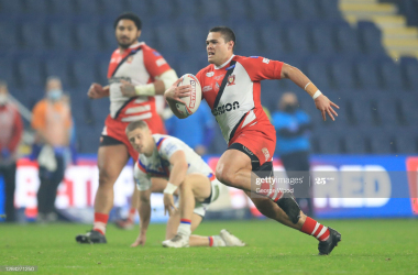 LEEDS, ENGLAND - NOVEMBER 06: Tui Lolohea of Salford Red Devils runs with the ball during the Betfred Super League match between Wakefield Trinity and Salford Red Devils at Emerald Headingley Stadium on November 06, 2020 in Leeds, England. Sporting stadiums around the UK remain under strict restrictions due to the Coronavirus Pandemic as Government social distancing laws prohibit fans inside venues resulting in games being played behind closed doors. (Photo by George Wood/Getty Images)
