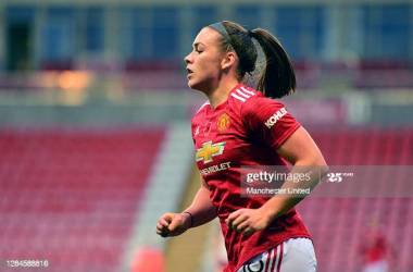 """""""We're a completely different team to last season"""" - Kirsty Hanson went from Championship to top of the FA WSL with Manchester United"""