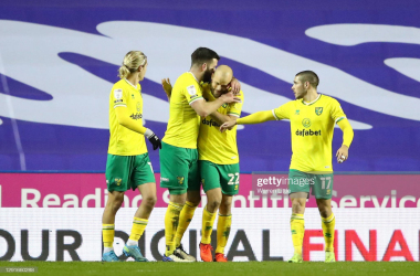 Reading 1-2 Norwich City: Pukki penalty sends Canaries back to the top of the table
