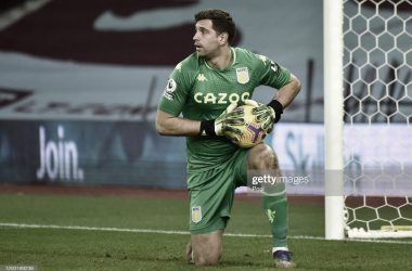 SOLIDO Y FIGURA. Martínez volvió a mostrar una solida actuación y figura clave en el Aston Villa. Foto: Getty images