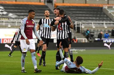 Newcastle United 1-1 Aston Villa: Lascelles header clinches Magpies last-gasp point