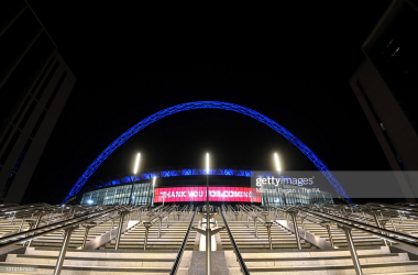 LONDON, ENGLAND - APRIL 18: General view outside the stadium as the Wembley arch is coloured blue for Leicester City following their victory during the Semi Final of the Emirates FA Cup between Leicester City and Southampton FC at Wembley Stadium on April 18, 2021 in London, England. 4000 local residents have been permitted to attend the match as part of the government's Events Research Programme, which will study how to safely hold major events once coronavirus lockdown measures are eased. Other sporting events around the United Kingdom continue to be played behind closed doors. (Photo by Michael Regan - The FA/The FA via Getty Images)