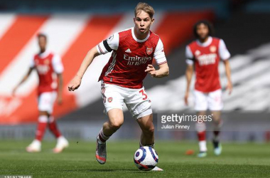 Emile Smith Rowe of Arsenal in action during the Premier League match between Arsenal and Fulham at Emirates Stadium on April 18, 2021 in London, England. Sporting stadiums around the UK remain under strict restrictions due to the Coronavirus Pandemic as Government social distancing laws prohibit fans inside venues resulting in games being played behind closed doors. (Photo by Julian Finney/Getty Images)