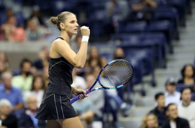 US Open: Karolina Pliskova edges Amanda Anisimova in late-night thriller