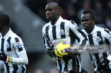 NEWCASTLE, ENGLAND - DECEMBER 15 : Demba Ba (center) celebrates scoring the first Newcastle goal during the Barclays Premier League match between Newcastle United and Manchester City at St James' Park on December 15, 2012 in Newcastle upon Tyne, England. (Photo by Ian Horrocks/Newcastle United via Getty Images)