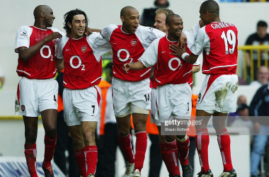 Tottenham Hotspur v ArsenalLONDON - APRIL 25: Patrick Vieira, Robert Pires, Thierry Henry, Ashley Cole and Gilberto Silva of Arsenal celebrate after the second goal during the FA Barclaycard Premiership match between Tottenham Hotspur and Arsenal at White Hart Lane on April 25, 2004 in London.  (Photo by Shaun Botterill/Getty Images)