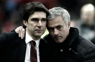 Aitor Karanka y José Mourinho durante un partido de la Premier League/ Fuente: Nottingham Post