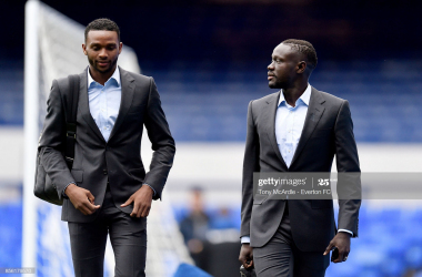 Everton to decide on Niasse and Martina contracts