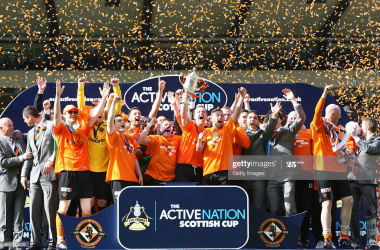 Dundee United celebrate lifting the Active Nation Scottish Cup in 2010 (Getty Images)
