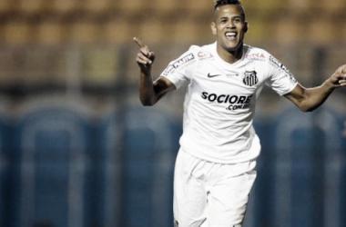 Geuvânio volta a brilhar e se reafirma como titular do Santos