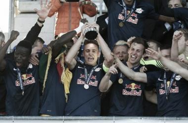 RB Salzburg surpreende, vence Benfica e conquista Champions League Sub-19 pela primeira vez