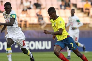 La selección ecuatoriana sub-20 en su último encuentro frente Senegal. Foto: FEF