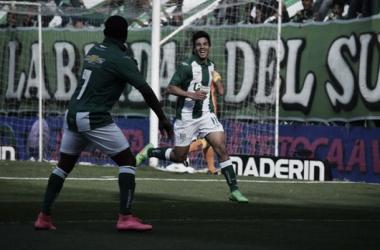 Gio celebra su sexto gol con la camiseta del Taladro // foto: @CAB_ Oficial