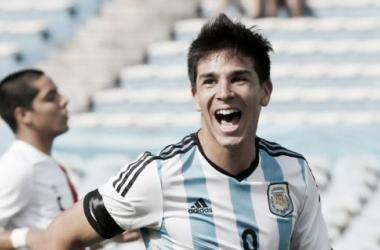 Gio en uno de sus 9 festejos en el Sudamericano jugado en Uruguay. (Fuente: Reuters(