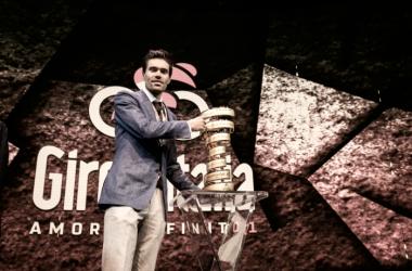 El Rey de Italia posando con su trofeo | Foto: Giro de Italia