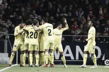 Los futbolistas del Girona celebran y se abrazan en el Wanda I Foto: LaLiga