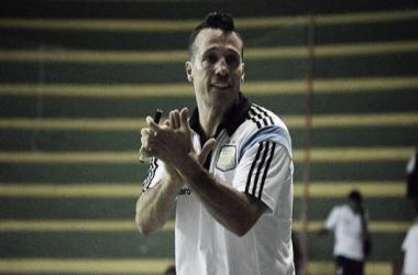 Diego Giustozzi aplaude a su equipo (Foto: CBFS)