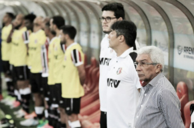 Treinador tricolor afirma, porém, que ponto somado no clássico não teve gosto de vitória (Foto: Rodrigo Baltar/Santa Cruz)