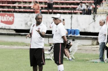 Treinador tricolor encerra mistério e escala time para confronto ante os catarinenses (Foto: Rodrigo Baltar/Santa Cruz)