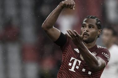 Em jogo maluco, Bayern de Munique vence Colônia na Allianz Arena
