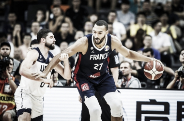 Com grande atuação de Gobert, França derruba Estados Unidos e se classifica à semi do Mundial