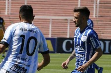 Godoy Cruz y Atlético Tucumán están parejos en el historial. Foto: Infobae.