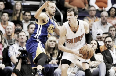 Dragic supera Curry e Suns batem Warriors