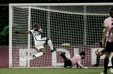 Victoria que impulsa al Inter y hunde al Palermo