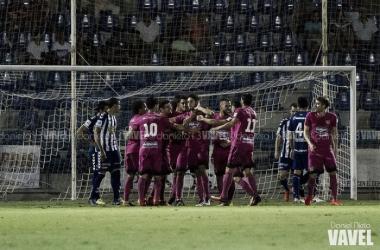 El Fuenla celebra el tanto de la victoria ante el Talavera.   Foto: Dani Nieto (VAVEL.com).