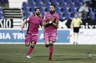 Morales celebra el gol que lo convertía en el máximo goleador del Levante en Primera / Fuente: La Liga