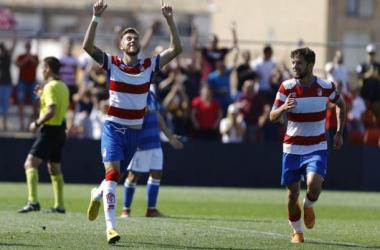 Nacho Buil celebra un gol al Melilla en el partido de la primera vuelta. Foto: Pepe Villoslada / Granada CF