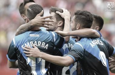 El equipo, tras el tanto de Andrés Martín del pasado Sporting - Rayo. / Fotografía: Rayo Vallecano.