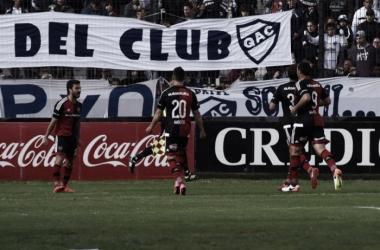 Los jugadores festejan el tanto de Ignacio Scocco. / Foto: @CANOBoficial
