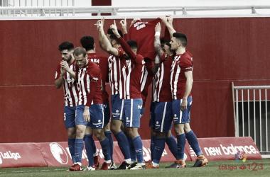 Jugadores del Sporting celebrando un gol. | Imagen: LaLiga.
