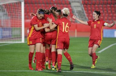 La selección española de fútbol femenino celebrando un gol. / Fuente: sefutbol