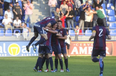 El Huesca gana en Tudela y se coloca a 3 puntos del líder