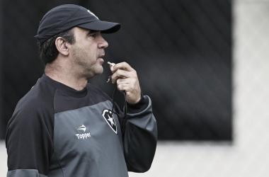 """Ricardo Gomes comemora o triunfo do Botafogo diante do Palmeiras: """"Foi a melhor partida"""""""