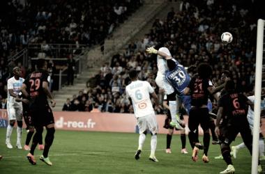 Resumen Olympique de Marsella - Niza: Evra decide un vibrante duelo en la Costa Azul