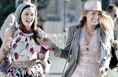 Blair Waldorf y Serena van der Woodsen, personajes icónicos de la serie. Fuente: emirateswoman.com